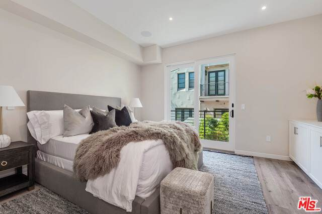 1333 Beverly Green Dr #201, Los Angeles, CA 90035 (MLS #19-522076) :: The John Jay Group - Bennion Deville Homes