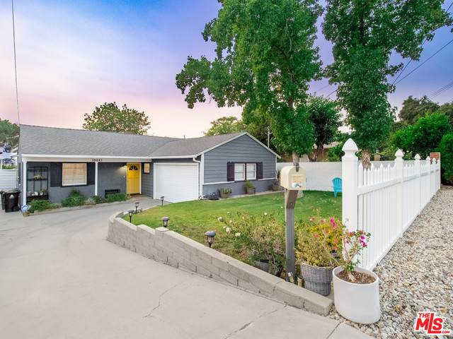 10441 Mcclemont Ave, Tujunga, CA 91042 (#20-633632) :: HomeBased Realty
