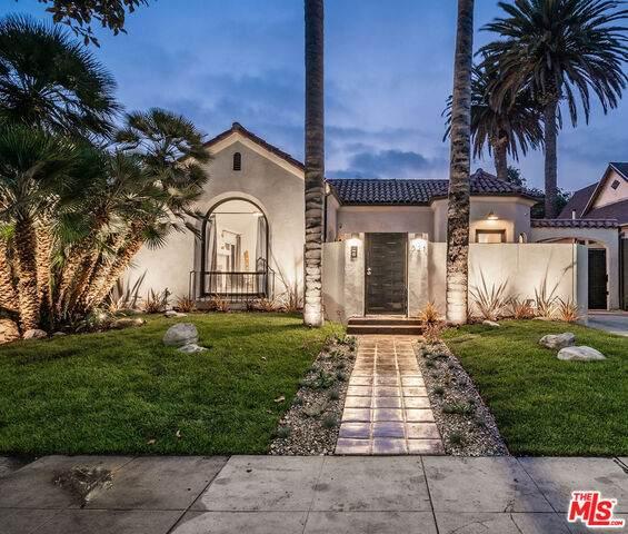 321 N Laurel Ave, Los Angeles, CA 90048 (#20-641434) :: The Parsons Team