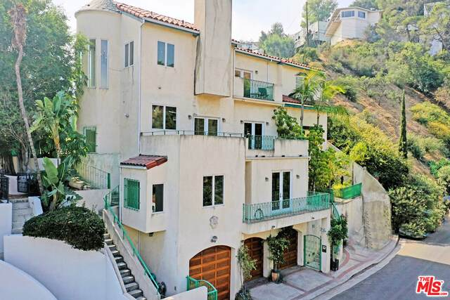2811 Belden Dr, Hollywood, CA 90068 (#20-643886) :: Arzuman Brothers