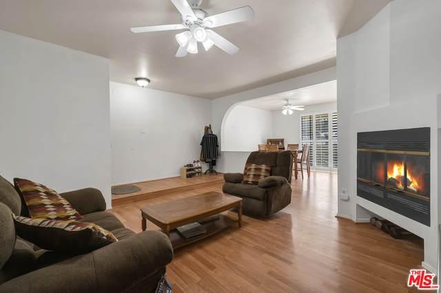 19009 Sherman Way #12, Reseda, CA 91335 (#20-647622) :: Berkshire Hathaway HomeServices California Properties