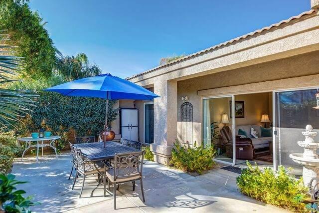 48523 Via Amistad, La Quinta, CA 92253 (#21-678570) :: Berkshire Hathaway HomeServices California Properties