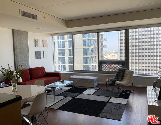 1155 S Grand Ave #1405, Los Angeles, CA 90015 (MLS #21-749102) :: Zwemmer Realty Group