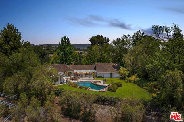 5860 Fitzpatrick Rd, Hidden Hills, CA 91302 (MLS #21-768200) :: Mark Wise | Bennion Deville Homes