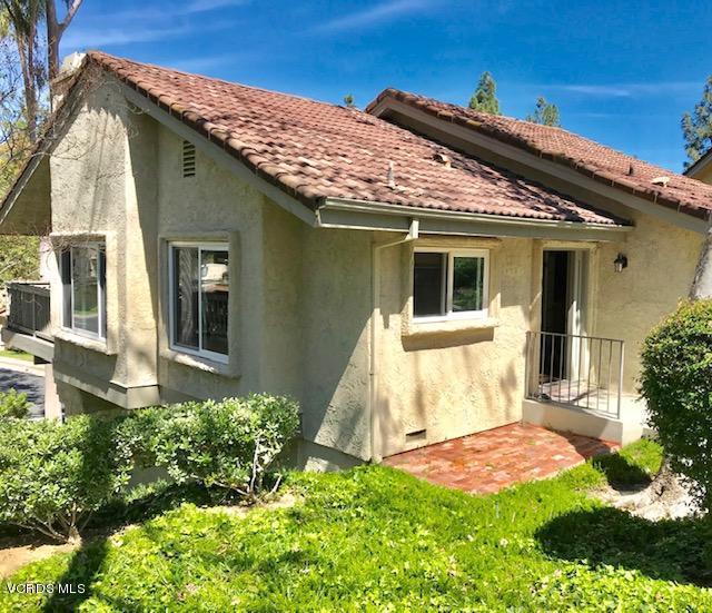 5701 Camelia Lane, Oak Park, CA 91377 (#219003608) :: The Agency