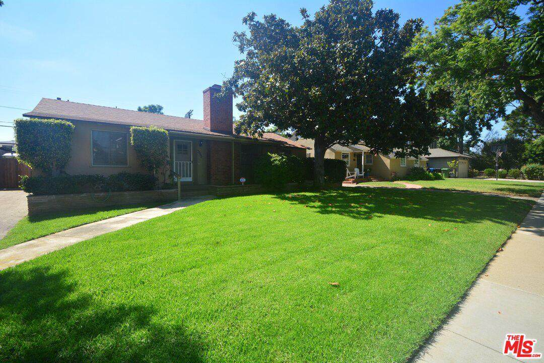 3135 Barry Ave - Photo 1