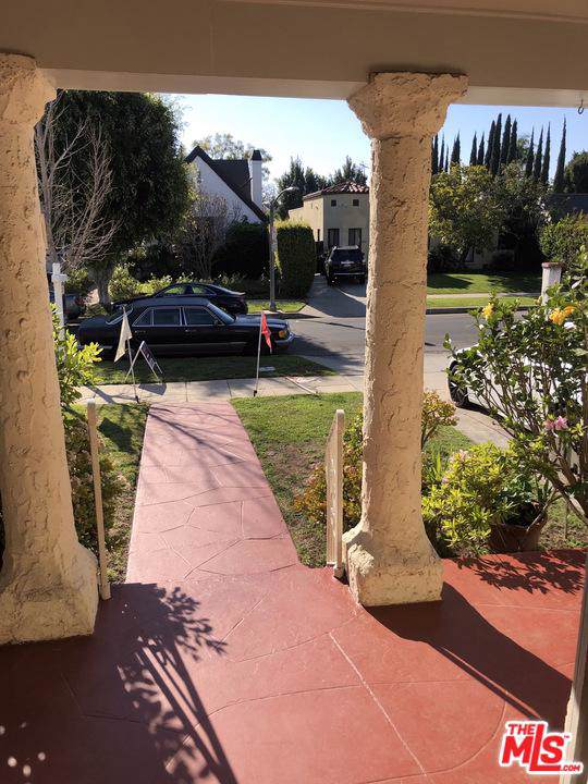 6513 Commodore Sloat Drive, Los Angeles (City), CA 90048 (#19535270) :: The Agency