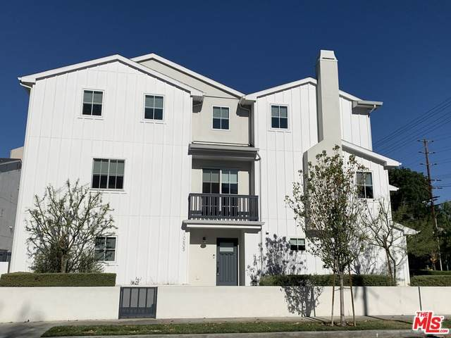 10605 Hortense St, Toluca Lake, CA 91602 (#20-674530) :: The Grillo Group