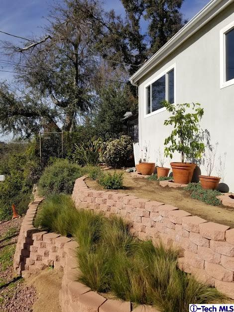 1873 Montiflora Avenue, Eagle Rock, CA 90041 (#318004438) :: The Real Estate Offices of Talbot and Watson