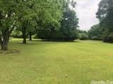 1 Oakwood Manor - Photo 4