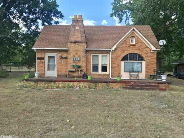 802 E 1st Street, Hughes Springs, TX 75656 (MLS #19006255) :: United Country Real Estate