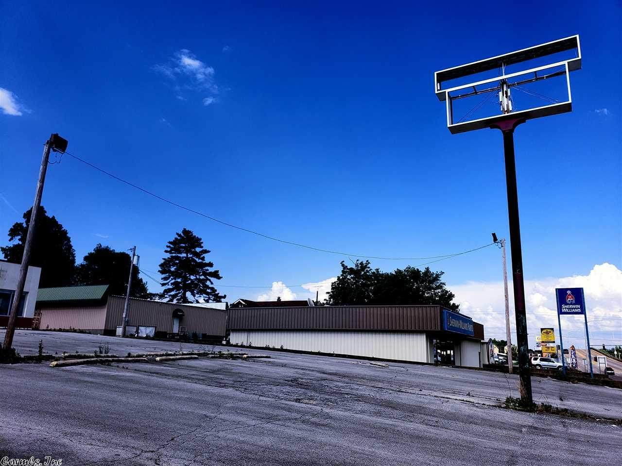 401 West Kingshighway - Photo 1