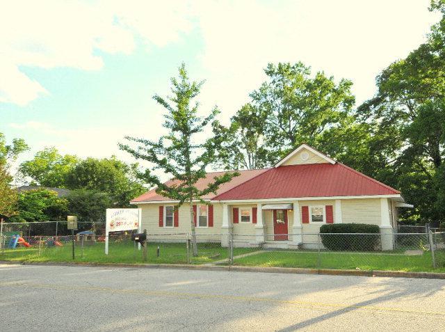 1713 17TH AVENUE, PHENIX CITY, AL 36867 (MLS #160913) :: The Brady Blackmon Team