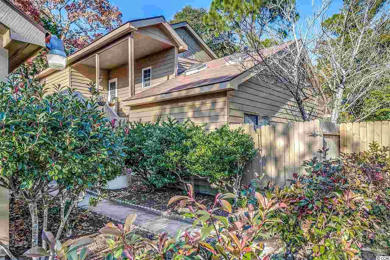 512 63rd Ave. N - Photo 1