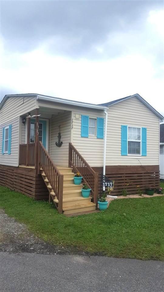 1717 Ibis Dr., Surfside Beach, SC 29575 (MLS #2106412) :: Armand R Roux | Real Estate Buy The Coast LLC