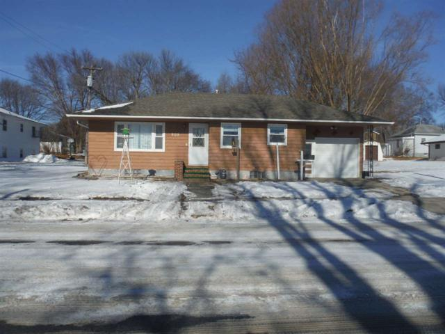 905 M Avenue, Grundy Center, IA 50638 (MLS #20180122) :: Amy Wienands Real Estate