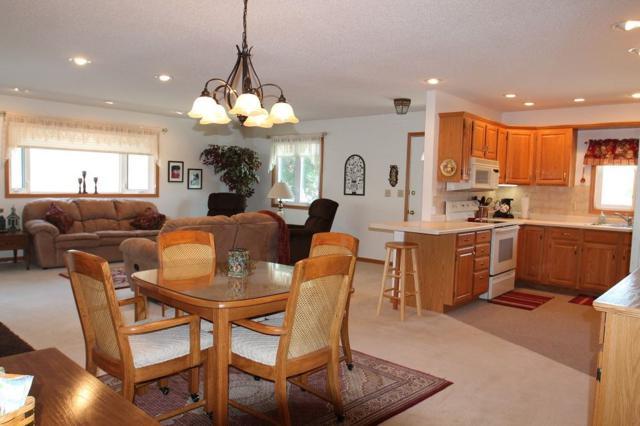 416 4th Street Se, Waukon, IA 52172 (MLS #20181372) :: Amy Wienands Real Estate