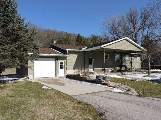 1107 College Drive, Decorah, IA 52101 (MLS #20181965) :: Amy Wienands Real Estate