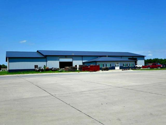 889 Doris Drive, Evansdale, IA 50707 (MLS #20183091) :: Amy Wienands Real Estate