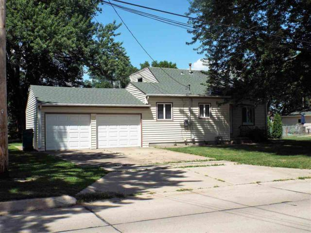 1625 W Gilbert Drive, Evansdale, IA 50707 (MLS #20183846) :: Amy Wienands Real Estate