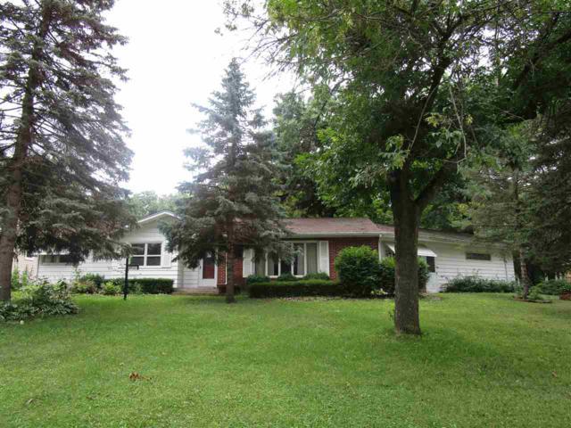 3931 Oak Park Circle, Waterloo, IA 50701 (MLS #20183908) :: Amy Wienands Real Estate