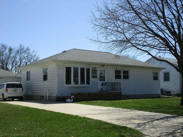 1834 Glenny Avenue, Waterloo, IA 50702 (MLS #20185156) :: Amy Wienands Real Estate