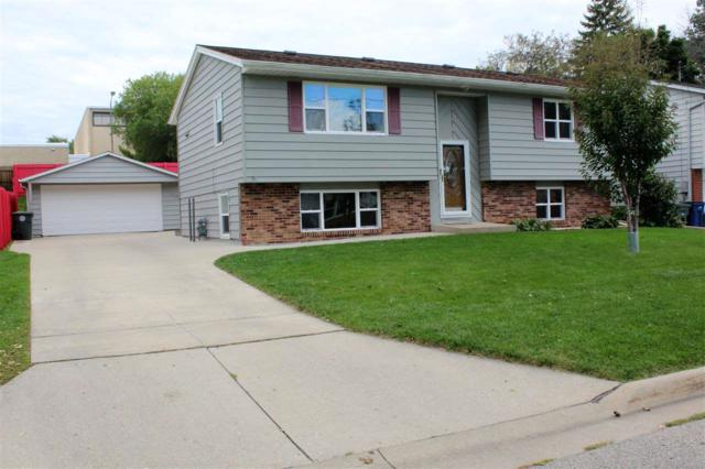 1214 Columbus Drive, Waterloo, IA 50702 (MLS #20185251) :: Amy Wienands Real Estate