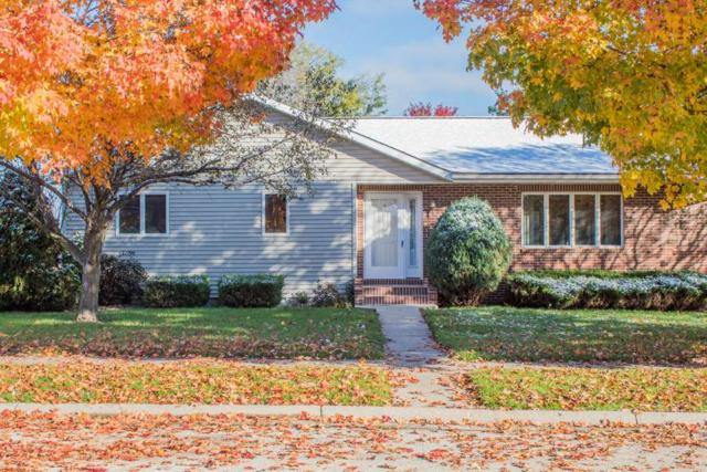 2400 NW 1st Avenue, Waverly, IA 50677 (MLS #20185504) :: Amy Wienands Real Estate