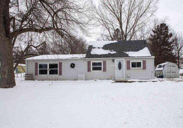 324 NW 7th Ave Nw, Waverly, IA 50677 (MLS #20190353) :: Amy Wienands Real Estate