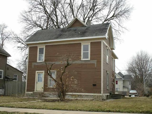 210 Locust Street, Waterloo, IA 50701 (MLS #20190666) :: Amy Wienands Real Estate