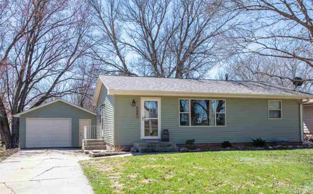 1911 5th Ave Nw, Waverly, IA 50677 (MLS #20191617) :: Amy Wienands Real Estate