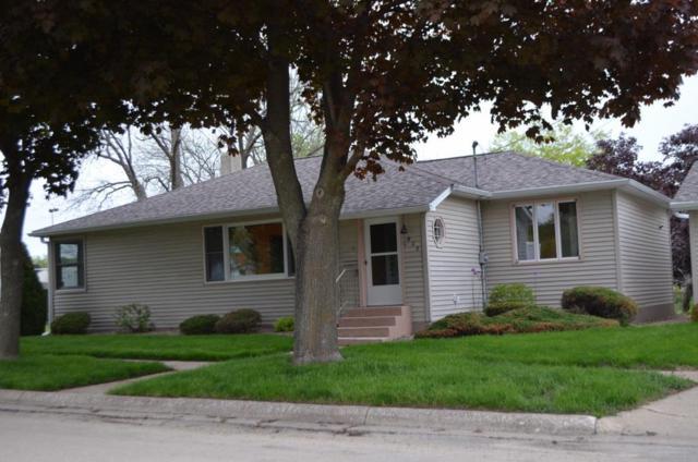211 3rd Ave Ne, Oelwein, IA 50662 (MLS #20192579) :: Amy Wienands Real Estate