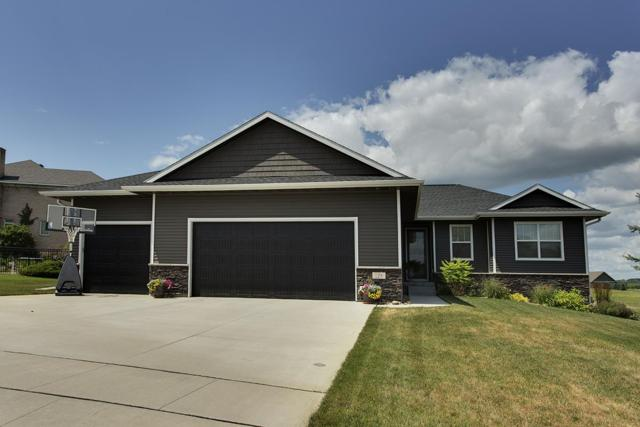 128 Eagle Ridge Drive, Waverly, IA 50677 (MLS #20193856) :: Amy Wienands Real Estate