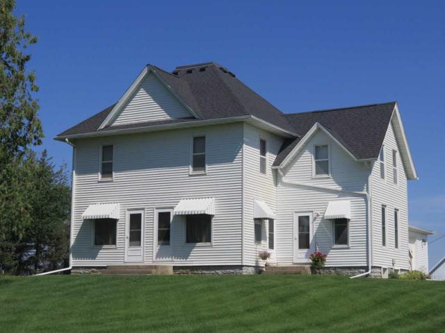 1856 Meadowlark Road, Decorah, IA 52101 (MLS #20194192) :: Amy Wienands Real Estate