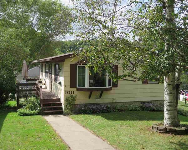 1011 River Street, Decorah, IA 52101 (MLS #20195017) :: Amy Wienands Real Estate