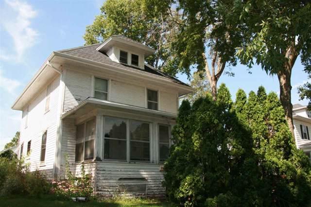 911 Bluff Street, Cedar Falls, IA 50613 (MLS #20195069) :: Amy Wienands Real Estate
