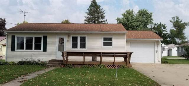 209 W Elm Street, Manchester, IA 52057 (MLS #20195121) :: Amy Wienands Real Estate