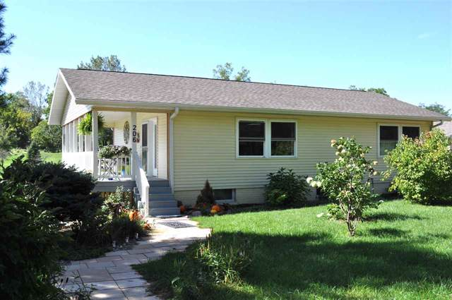 206 Rainbow Drive, Waverly, IA 50677 (MLS #20195190) :: Amy Wienands Real Estate