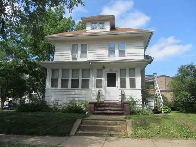 921-921 1/2 State, Cedar Falls, IA 50613 (MLS #20195274) :: Amy Wienands Real Estate