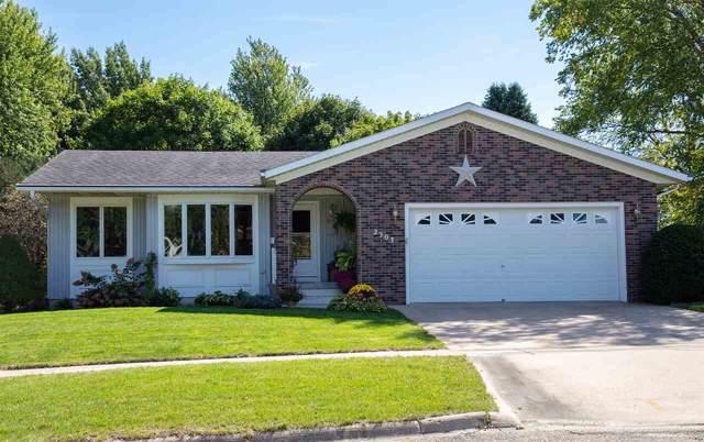 2303 W Bremer Avenue, Waverly, IA 50677 (MLS #20195279) :: Amy Wienands Real Estate