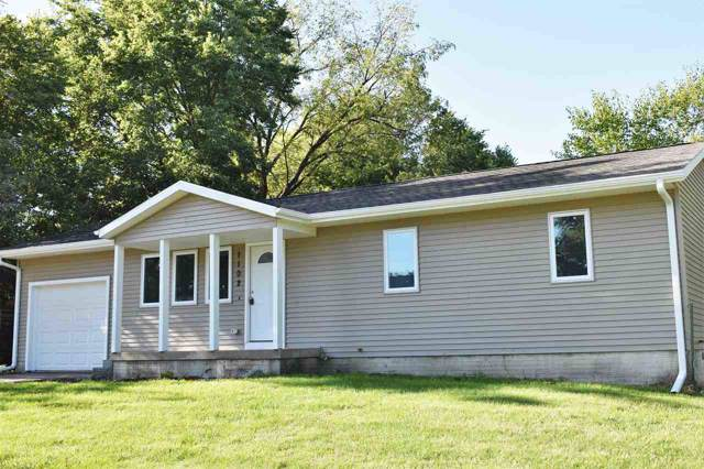 1102 South Street, Waterloo, IA 50702 (MLS #20195283) :: Amy Wienands Real Estate
