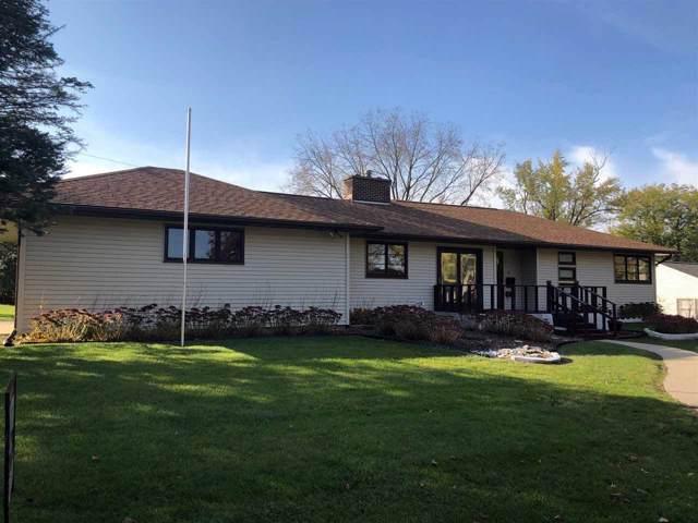 20 Hillside Dr. W, Oelwein, IA 50662 (MLS #20195844) :: Amy Wienands Real Estate