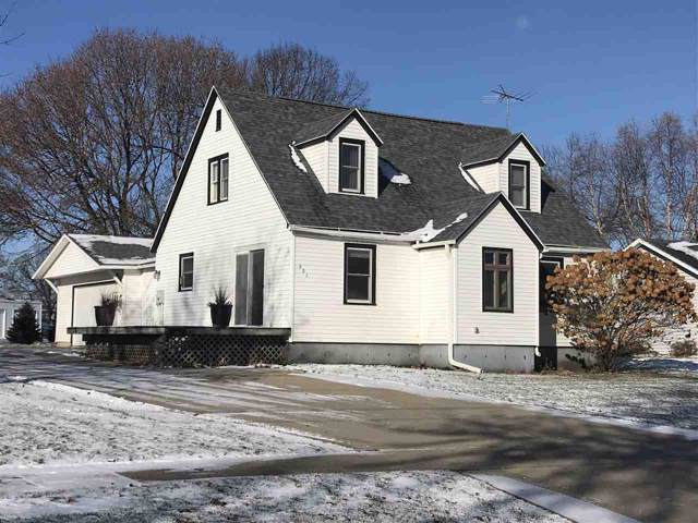 622 N Locust Avenue, New Hampton, IA 50659 (MLS #20196077) :: Amy Wienands Real Estate