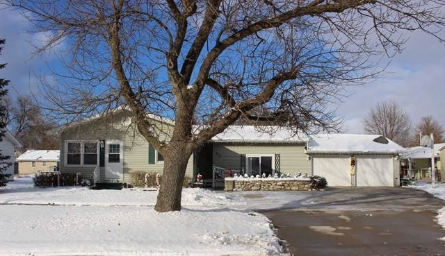 832 E Butler Street, Manchester, IA 52057 (MLS #20196083) :: Amy Wienands Real Estate