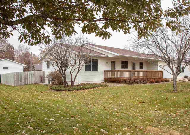 111 Eliasen Ave, Waverly, IA 50677 (MLS #20196179) :: Amy Wienands Real Estate