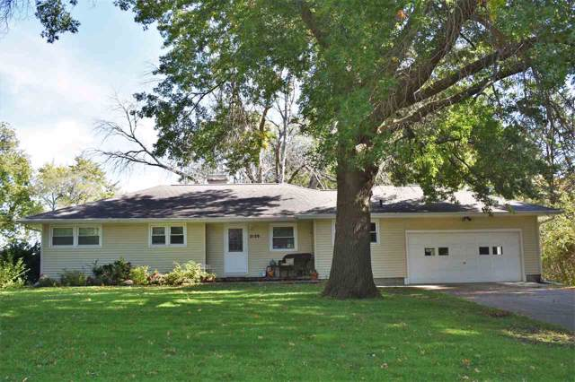 3126 Hillcrest Drive, Cedar Falls, IA 50613 (MLS #20196413) :: Amy Wienands Real Estate