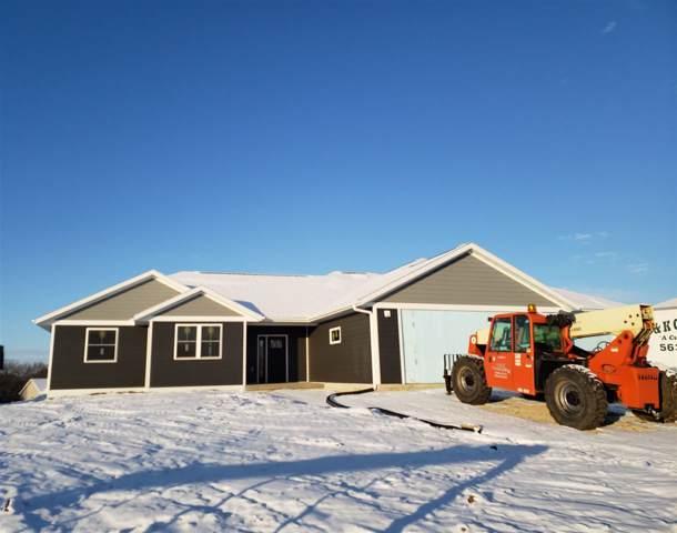 2434 Red Oak Road, Decorah, IA 52101 (MLS #20200055) :: Amy Wienands Real Estate