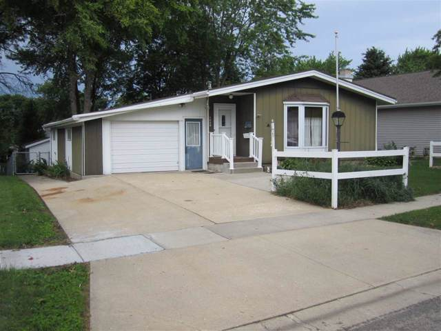 1003 11th Street, Grundy Center, IA 50638 (MLS #20200080) :: Amy Wienands Real Estate