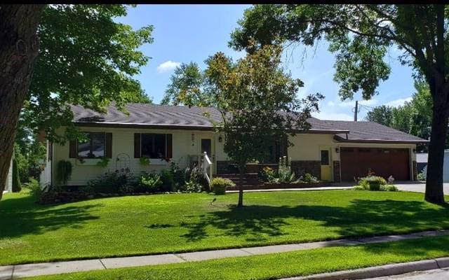 125 E 5th Street, Cresco, IA 52136 (MLS #20200384) :: Amy Wienands Real Estate