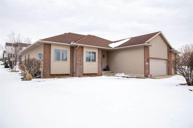 1803 Meadow View, Cedar Falls, IA 50613 (MLS #20200515) :: Amy Wienands Real Estate